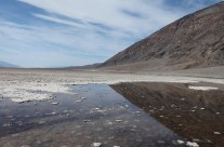 Ørkenspejling i Badwater i Death Valley USA